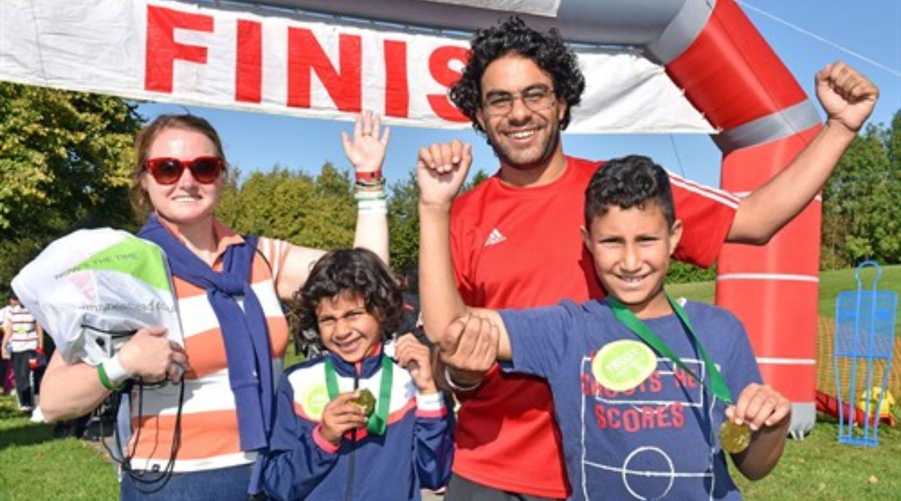 Family-at-Thamesmead-one-mile-finish-line